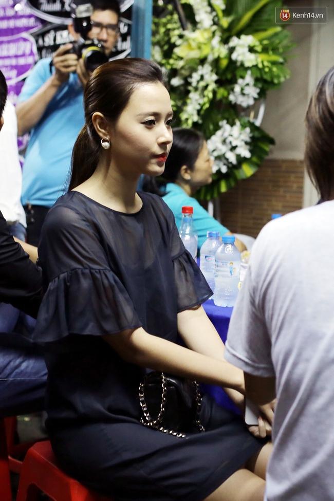Lễ tang Minh Thuận đêm cuối: Sao Việt đến tiễn đưa người anh, người đồng nghiệp đáng mến! - Ảnh 5.