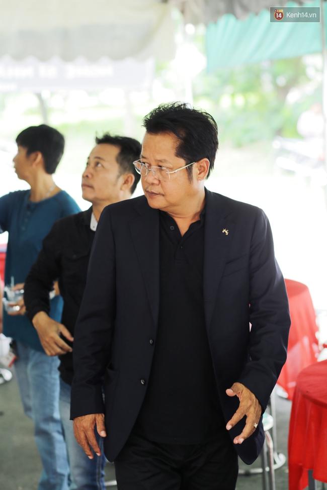 Thành Lộc, Hữu Châu và đồng nghiệp xúc động viếng tang lễ NSND Thanh Tòng - Ảnh 9.