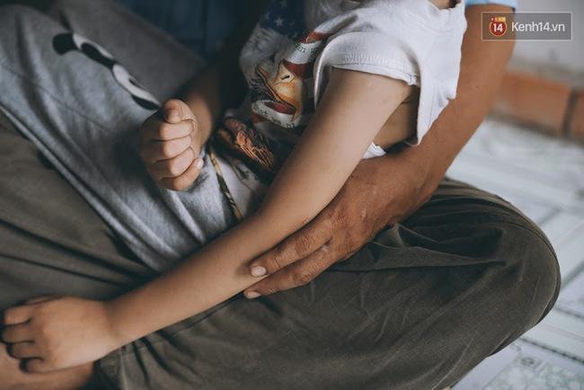 Đừng nóng, con ơi... - câu chuyện tình yêu của người cha đơn độc nuôi 2 đứa con bại não - Ảnh 4.