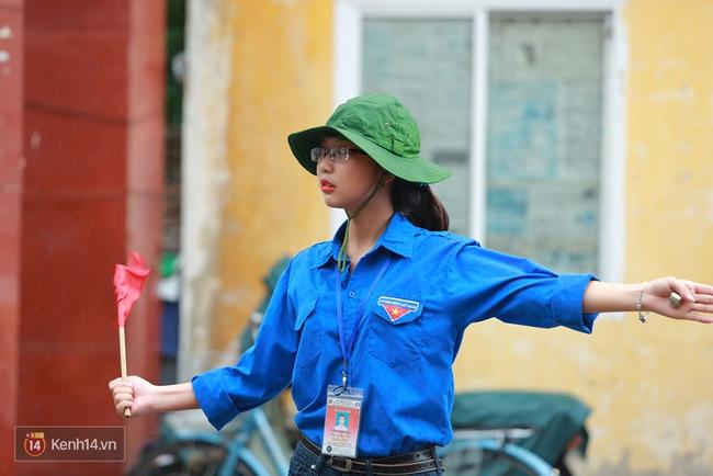 Gần 900.000 thí sinh làm thủ tục chính thức bước vào kỳ thi THPT Quốc gia - Ảnh 22.