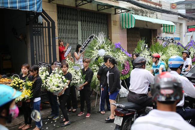 Bố Minh Thuận, Nhật Hào bật khóc xúc động trong tang lễ - Ảnh 22.