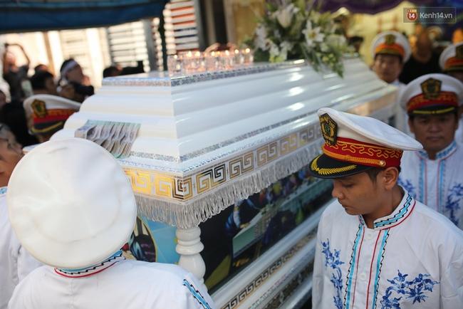 Bố Minh Thuận, Nhật Hào bật khóc xúc động trong tang lễ - Ảnh 25.