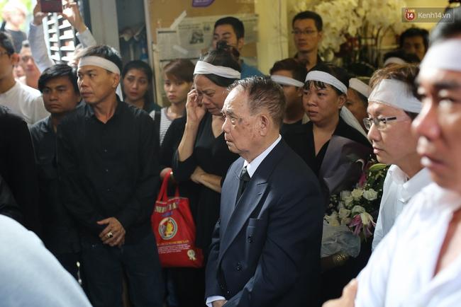 Bố Minh Thuận, Nhật Hào bật khóc xúc động trong tang lễ - Ảnh 27.