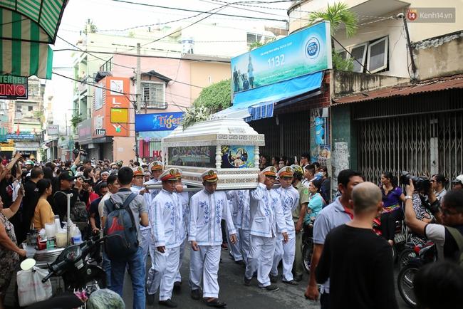 Bố Minh Thuận, Nhật Hào bật khóc xúc động trong tang lễ - Ảnh 28.
