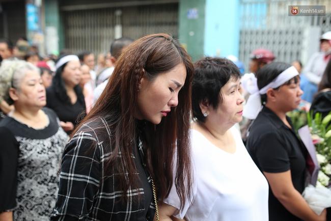 Bố Minh Thuận, Nhật Hào bật khóc xúc động trong tang lễ - Ảnh 29.