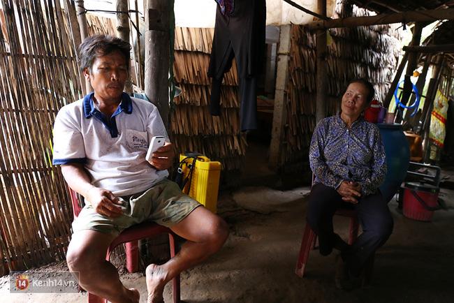 Gia cảnh nhà Tùng Sơn: Ở nhà đất, lợp mái lá, vẫn cố cho con 50 nghìn lên Sài Gòn - Ảnh 8.