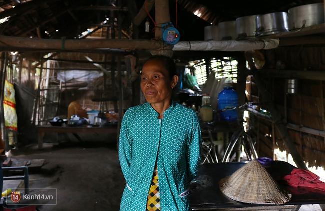 Gia cảnh nhà Tùng Sơn: Ở nhà đất, lợp mái lá, vẫn cố cho con 50 nghìn lên Sài Gòn - Ảnh 13.