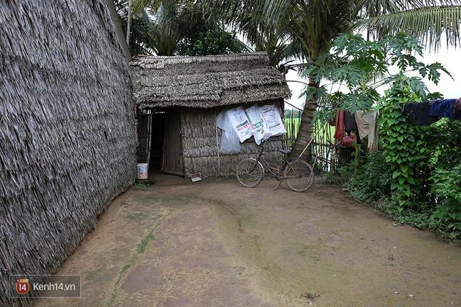 Gia cảnh nhà Tùng Sơn: Ở nhà đất, lợp mái lá, vẫn cố cho con 50 nghìn lên Sài Gòn - Ảnh 5.