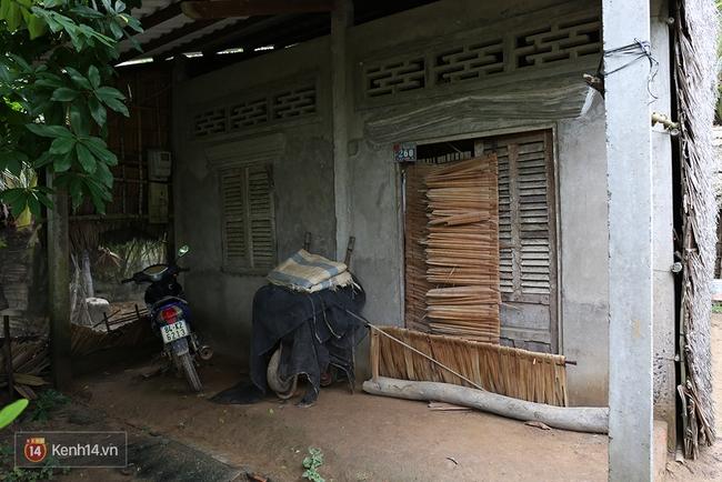 Gia cảnh nhà Tùng Sơn: Ở nhà đất, lợp mái lá, vẫn cố cho con 50 nghìn lên Sài Gòn - Ảnh 4.