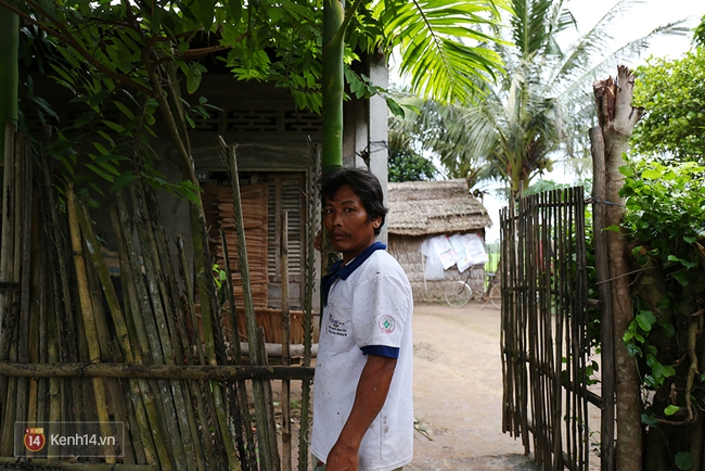 Gia cảnh nhà Tùng Sơn: Ở nhà đất, lợp mái lá, vẫn cố cho con 50 nghìn lên Sài Gòn - Ảnh 6.