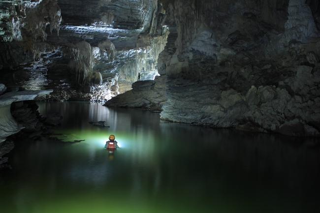 Không chỉ Sơn Đoòng, Quảng Bình còn có một hang động khác hoang sơ và đẹp đến ngạt thở! - Ảnh 3.