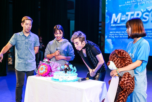 Sau 5 năm, Sơn Tùng M-TP bất ngờ khi gặp lại cô bé fan đã đặt nickname Sky cho mình! - Ảnh 23.