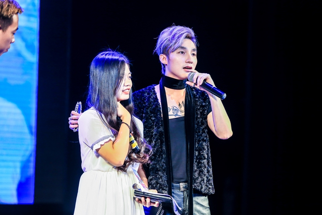Sau 5 năm, Sơn Tùng M-TP bất ngờ khi gặp lại cô bé fan đã đặt nickname Sky cho mình! - Ảnh 10.