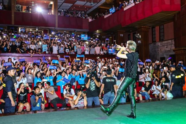 Sau 5 năm, Sơn Tùng M-TP bất ngờ khi gặp lại cô bé fan đã đặt nickname Sky cho mình! - Ảnh 30.