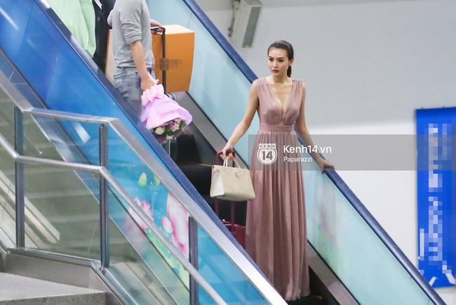 Nữ hoàng sắc đẹp toàn cầu Ngọc Duyên đội vương miện, xúc động bên gia đình trong ngày về nước - Ảnh 2.