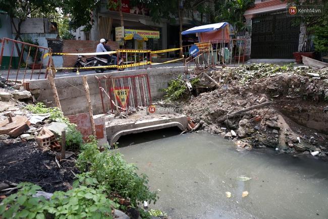 Cận cảnh dòng kênh được nạo vét để giúp sân bay Tân Sơn Nhất thoát ngập - Ảnh 10.