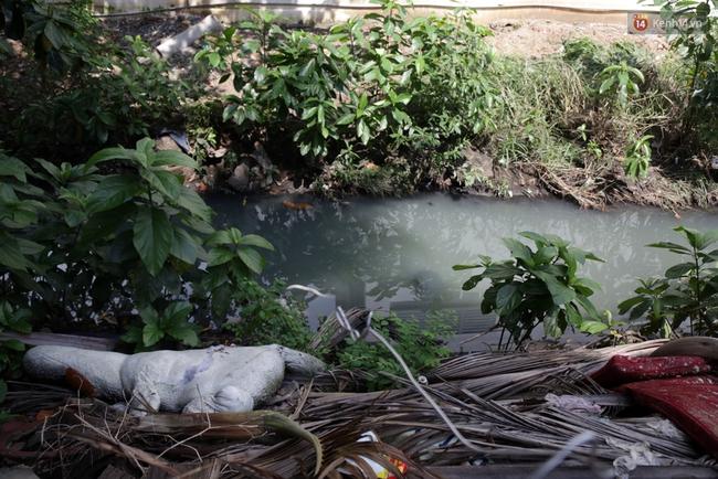 Cận cảnh dòng kênh được nạo vét để giúp sân bay Tân Sơn Nhất thoát ngập - Ảnh 11.