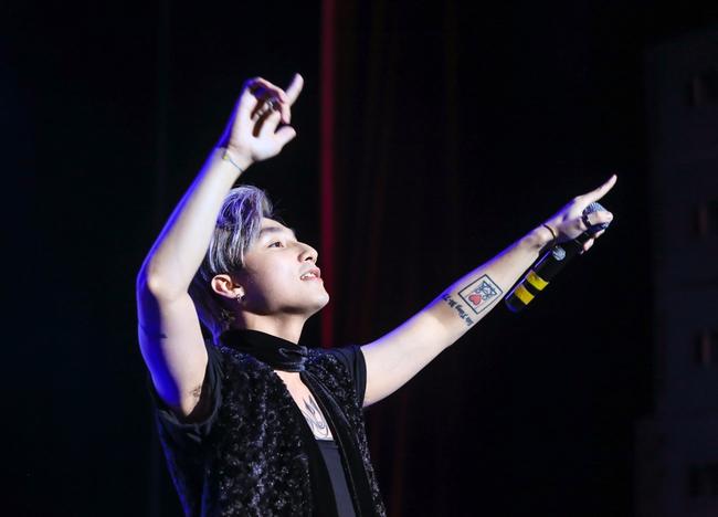Sau 5 năm, Sơn Tùng M-TP bất ngờ khi gặp lại cô bé fan đã đặt nickname Sky cho mình! - Ảnh 31.