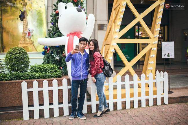 Có thể bạn không để ý, Sài Gòn đã đẹp lộng lẫy và ngập tràn không khí Giáng Sinh rồi - Ảnh 12.