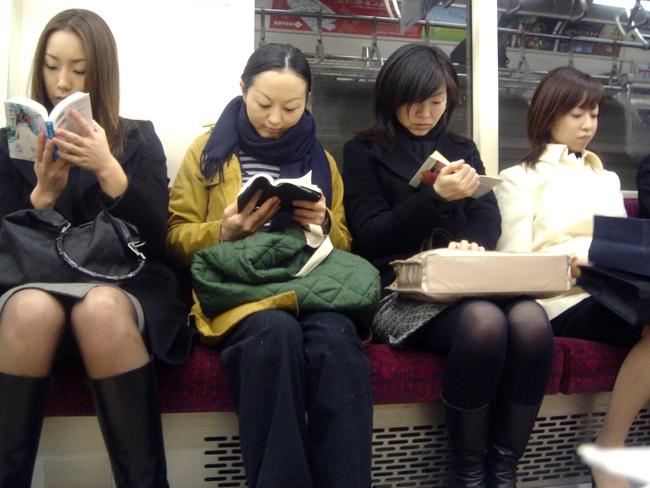 3 lý do vì sao người Nhật không sử dụng điện thoại di động khi đi tàu điện ngầm - Ảnh 3.