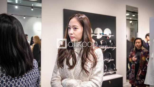 Jessica đẹp lạ bên Krystal, bạn trai đại gia cũng có mặt ủng hộ - Ảnh 5.