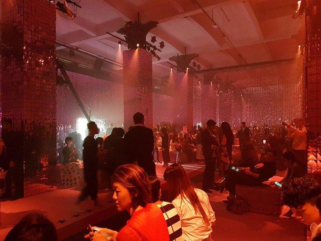 Kelbin Lei phủ đầy hàng hiệu, thẳng tiến dự show tại Milan Fashion Week - Ảnh 6.