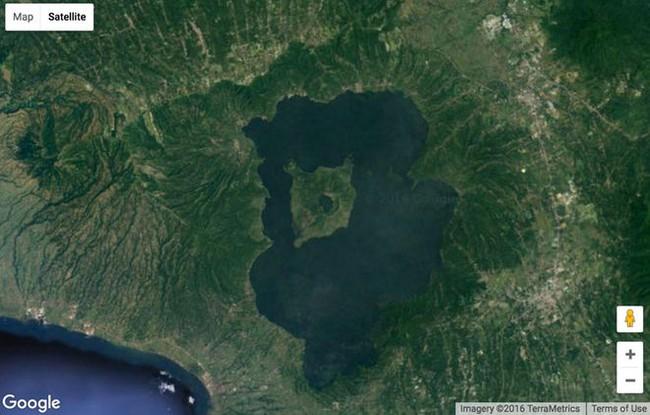 Những hình ảnh kì lạ nhất của Trái đất trên Google Earth - Ảnh 1.