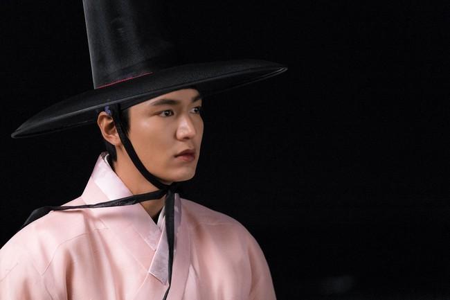 Cặp đôi Huyền thoại biển xanh Jeon Ji Hyun - Lee Min Ho: Đẹp, giàu, đến người yêu cũng khủng - Ảnh 16.