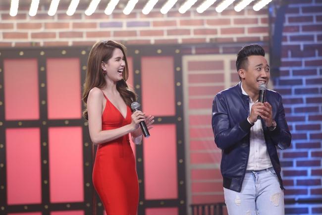 Ngọc Trinh sexy làm host bên Trấn Thành trong show truyền hình mới - Ảnh 12.