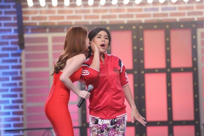 Ngọc Trinh sexy làm host bên Trấn Thành trong show truyền hình mới - Ảnh 13.