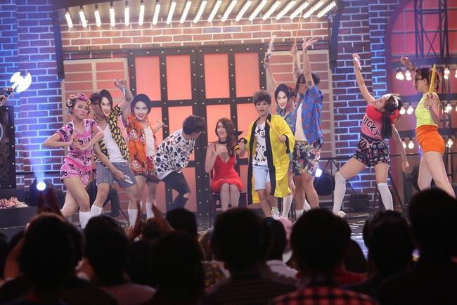 Ngọc Trinh sexy làm host bên Trấn Thành trong show truyền hình mới - Ảnh 14.