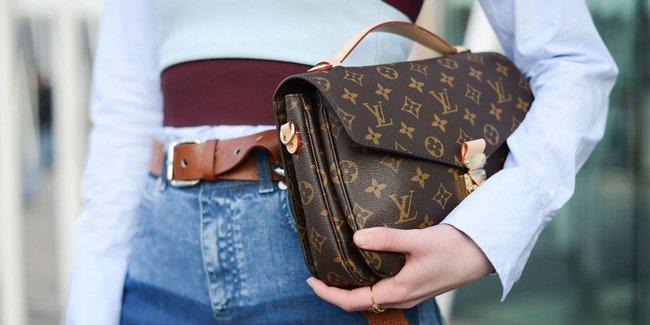 Mê túi Louis Vuitton 'giá rẻ'? Cứ nhè London mà mua nhé!