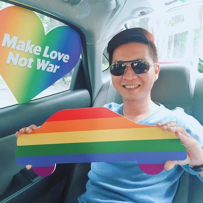 Những chiếc taxi treo cờ lục sắc để hưởng ứng ngày hội Viet Pride ở Sài Gòn - Ảnh 6.
