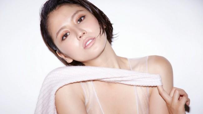 Phạm Hương đại diện Việt Nam lọt Top 50 người phụ nữ đẹp nhất thế giới - Ảnh 4.