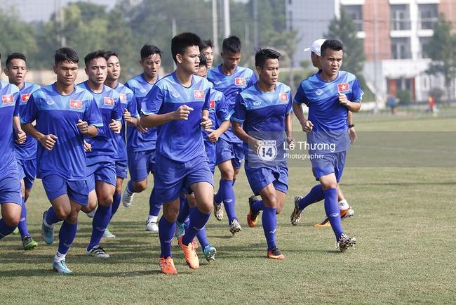Cầu thủ HAGL bị đuối khi tập cùng các cầu thủ U19 Việt Nam - Ảnh 2.
