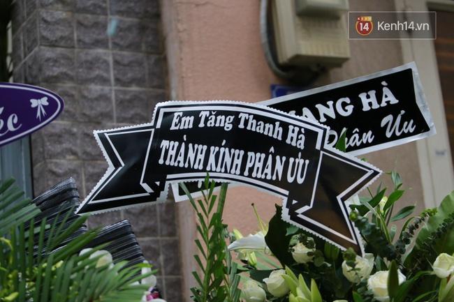Mặc trời mưa, Noo Phước Thịnh, Minh Hằng cùng dòng người vẫn tới tiễn đưa Minh Thuận - Ảnh 23.