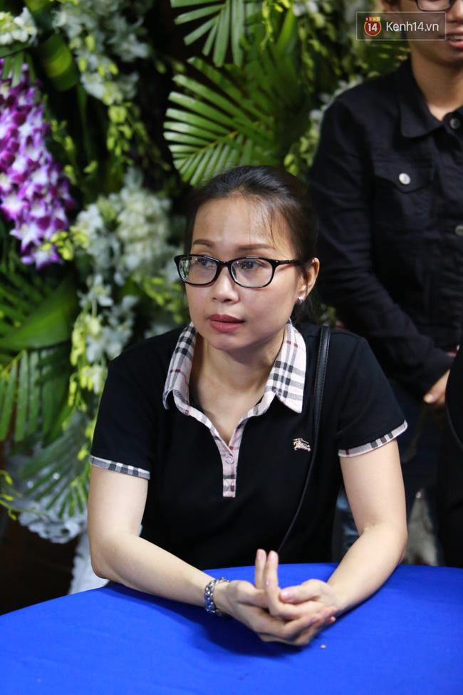 Mặc trời mưa, Noo Phước Thịnh, Minh Hằng cùng dòng người vẫn tới tiễn đưa Minh Thuận - Ảnh 21.