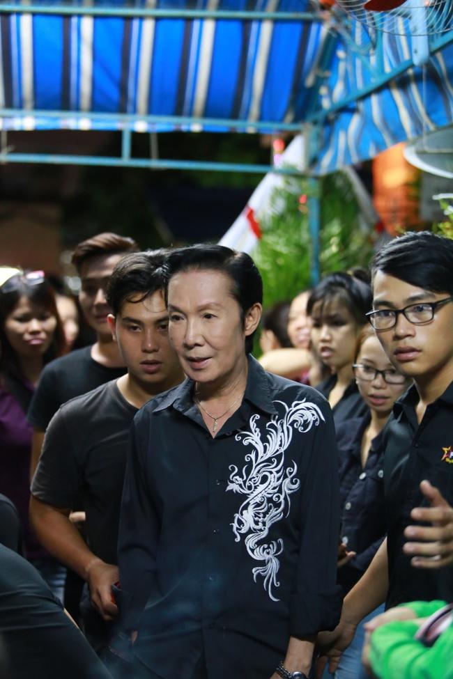 Mặc trời mưa, Noo Phước Thịnh, Minh Hằng cùng dòng người vẫn tới tiễn đưa Minh Thuận - Ảnh 28.