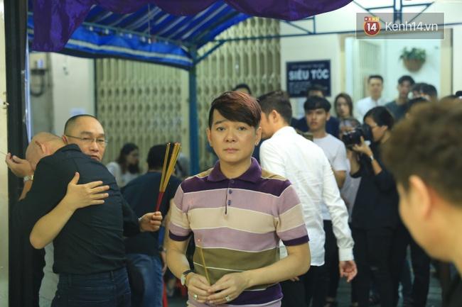 Hà Hồ thất thần, Đông Nhi khóc nức nở khi đến tiễn đưa Minh Thuận vào giữa đêm - Ảnh 15.
