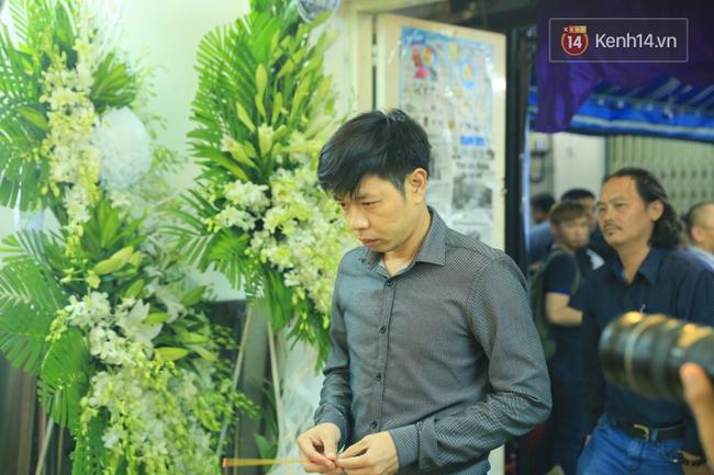 Hà Hồ thất thần, Đông Nhi khóc nức nở khi đến tiễn đưa Minh Thuận vào giữa đêm - Ảnh 20.