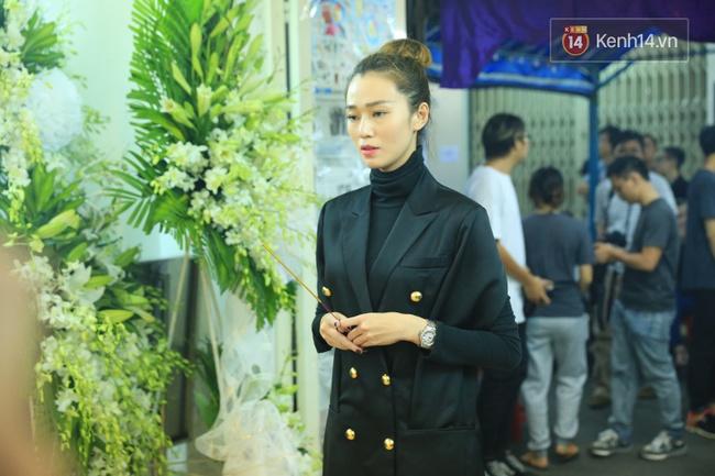 Hà Hồ thất thần, Đông Nhi khóc nức nở khi đến tiễn đưa Minh Thuận vào giữa đêm - Ảnh 21.