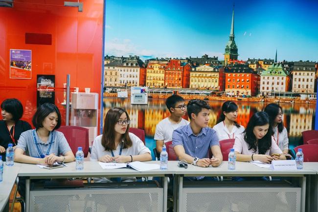 Học sinh Hà Nội thử tài tiếng Anh qua cuộc thi GLN New Face - Ảnh 2.