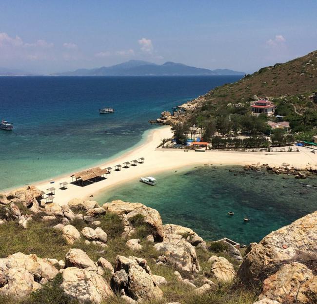 Cần chi đi đâu xa, ở Việt Nam cũng có những vùng biển đẹp không thua gì Maldives! - Ảnh 33.