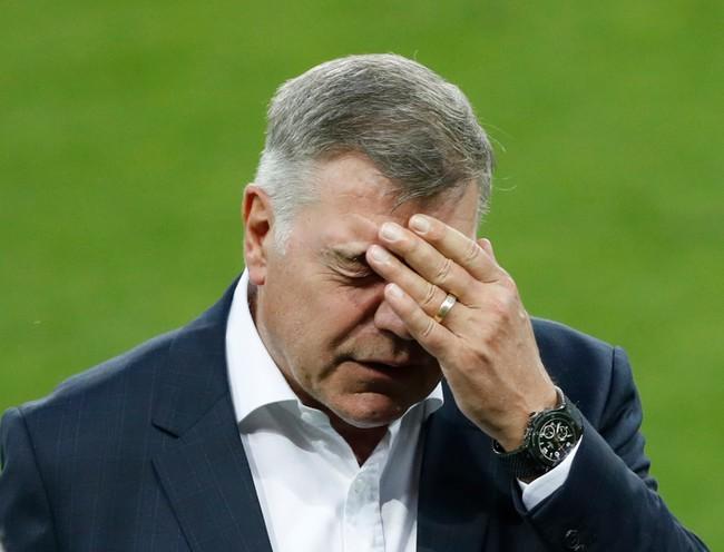 LĐBĐ Anh chính thức sa thải HLV Sam Allardyce sau bê bối nhận hối lộ - Ảnh 3.