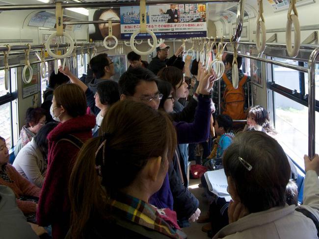 3 lý do vì sao người Nhật không sử dụng điện thoại di động khi đi tàu điện ngầm - Ảnh 4.