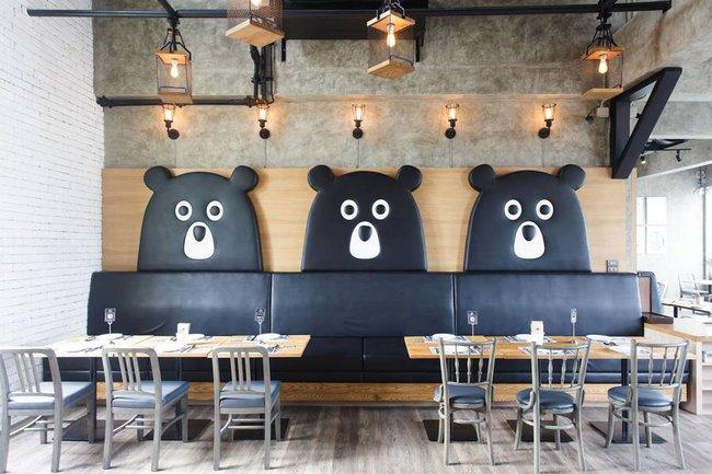 Ghé thăm nhà hàng gấu bông dễ thương tại xứ Chùa Vàng - Ảnh 1.