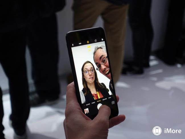 7 ứng dụng trên iPhone giới trẻ phát cuồng trong năm qua - Ảnh 2.