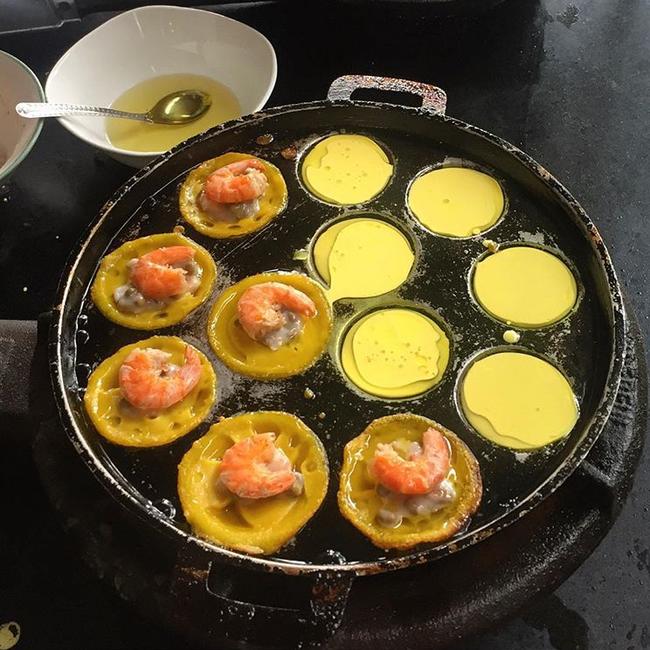 Ghi vào sổ 4 hàng bánh xèo siêu ngon, lúc nào cũng đông khách ở Sài Gòn - Ảnh 17.
