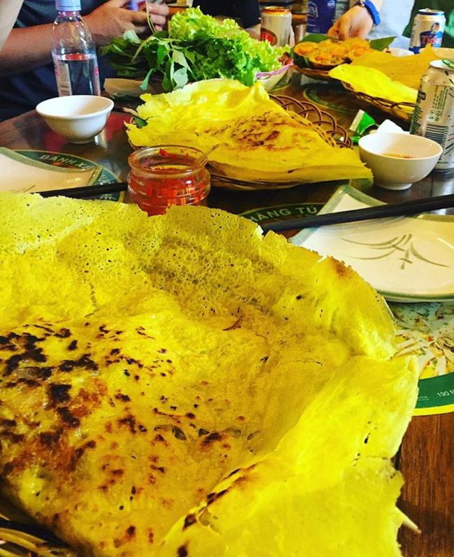 Ghi vào sổ 4 hàng bánh xèo siêu ngon, lúc nào cũng đông khách ở Sài Gòn - Ảnh 22.