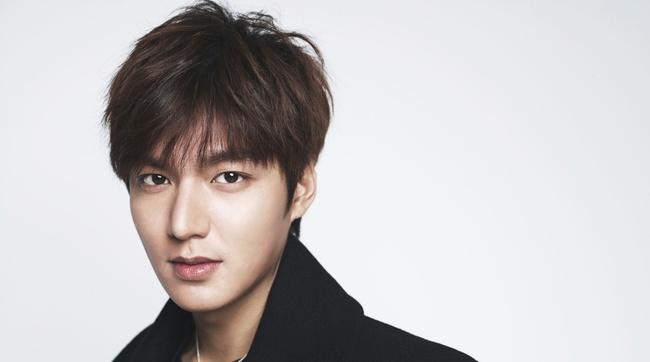 Song Joong Ki bỏ xa Kim Soo Hyun trong BXH sao nam hot nhất xứ Đài - Ảnh 2.